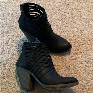 Fergalicious Short Boots (size 7) (3in heel)